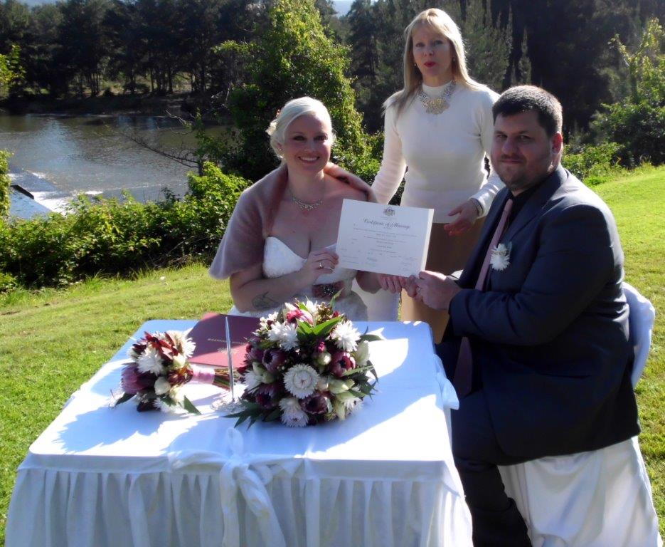 Marriage celebrant Nepean Weir, Penrith