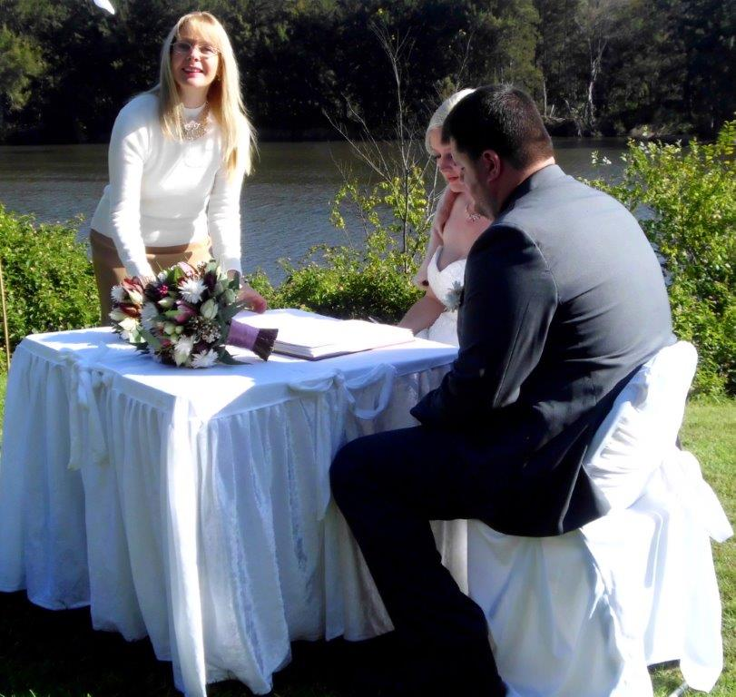 wedding celebrant Nepean Weir, Penrith